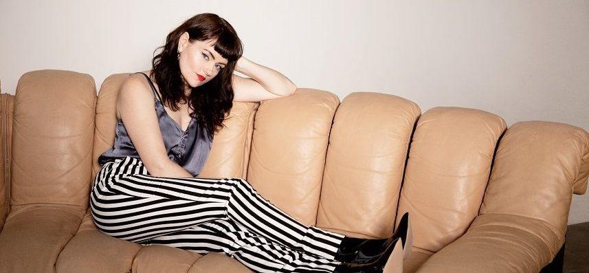 Jennie Lena: Te boeken met live band of als tape!
